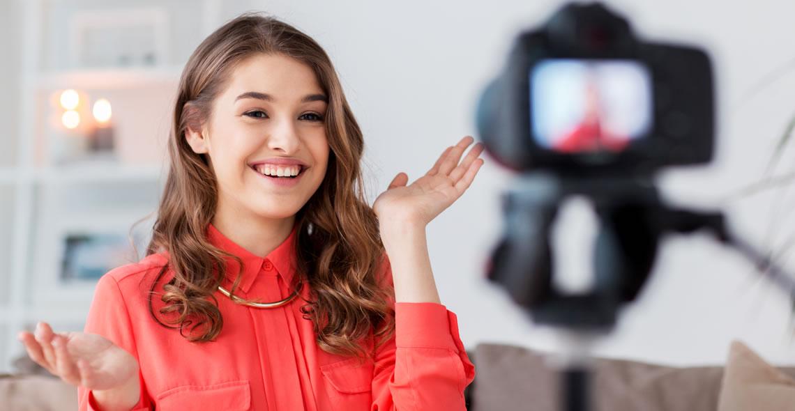 Blogging and Vlogging Diploma